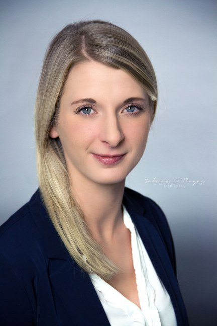 business_headshot_25112016_kimberly_online